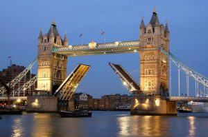 Cheap Flights To London UK From Vancouver Canada $C438