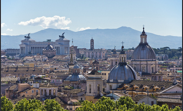 Swiss: San Francisco – Rome, Italy. $342 (Basic Economy) / $462 (Regular Economy). Roundtrip, including all Taxes