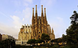 Delta: Portland – Barcelona, Spain. $582 (Regular Economy) / $462 (Basic Economy). Roundtrip, including all Taxes