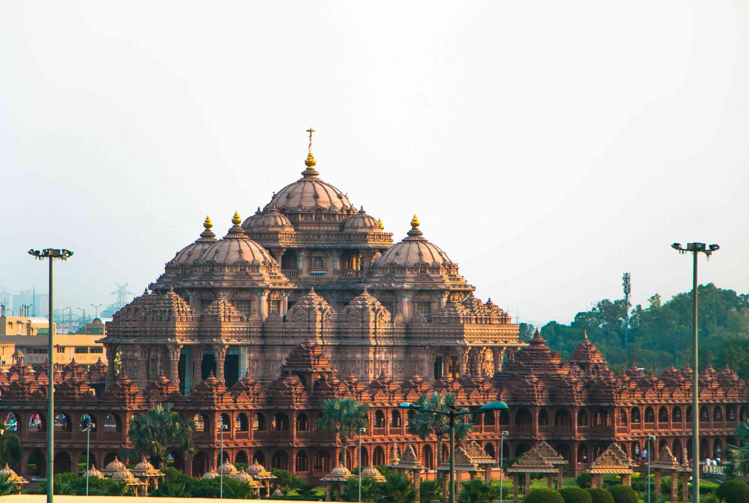Cheap Flights To Delhi India From Calgary Canada $C1143