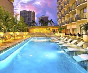 5 unique luxury hotel experiences in Oahu