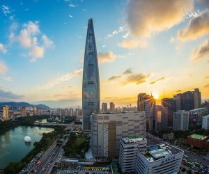 Photograph of the week: Lotte World Tower, Seoul, South Korea