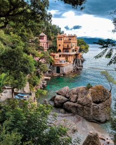 How To Dress For A Weekend in the Italian Riviera