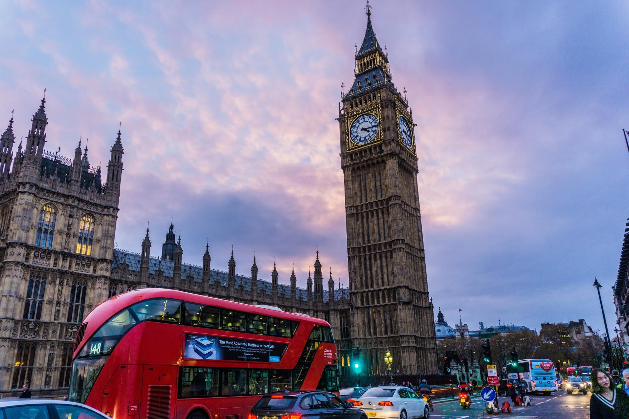 New York To London UK $327 Return