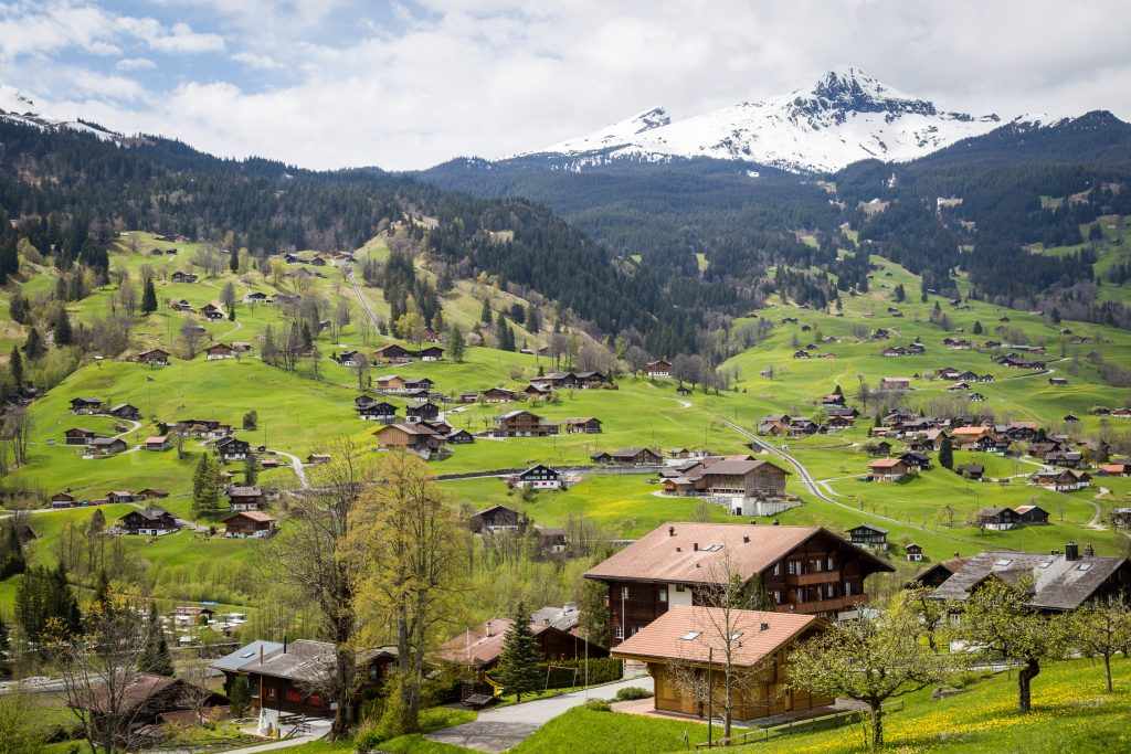 Tips for Traveling Switzerland on a Budget