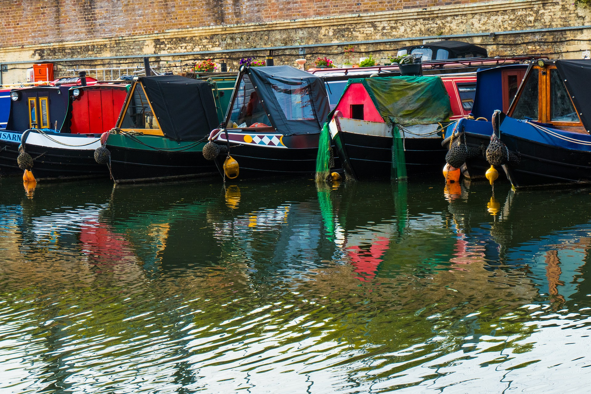 Top Nine Places to Visit in the UK by Narrowboat