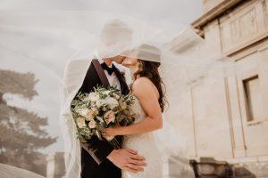 Creative wedding tips for the modern couple