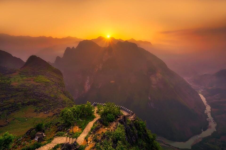 Colombo, Sri Lanka to Ho Chi Minh City, Vietnam for only $288 USD roundtrip (Jul-Nov dates)